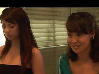 Lesbians Satine and Jandi