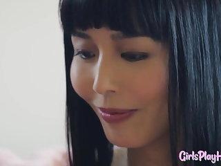 Orgasms Oriental lesbian orgasms during tribbing