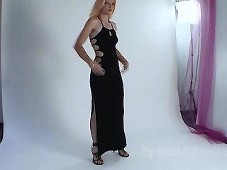 Nylon Kerstin wants to be fucked immediately