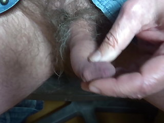 showing my hairy penis, my foreskin, my glans and my peehole