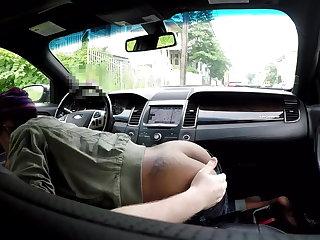 Escort Black hooker car blowjob