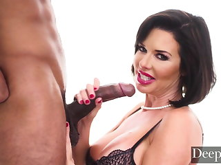 Halloween Deeper. Veronica Avluv is a Blowjob Pro