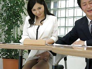 Belgian Japanese lady, Miyuki Ojima got fingered, uncensored